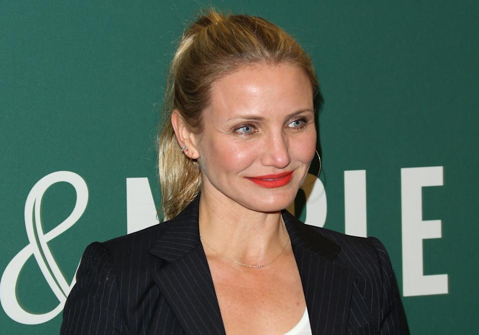 """LOS ANGELES, CA - APRIL 13:  Actress Cameron Diaz signs copies of her new book """"The Longevity Book: The Science Of Aging, The Biology Of Strength And The Privilege Of Time"""" at Barnes & Noble at The Grove on April 13, 2016 in Los Angeles, California.  (Photo by Paul Archuleta/FilmMagic)"""