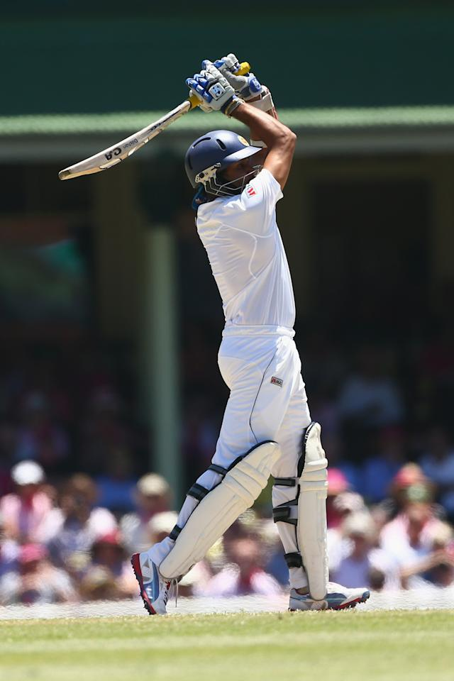 SYDNEY, AUSTRALIA - JANUARY 05: Tillakaratne Dilshan of Sri Lanka bats during day three of the Third Test match between Australia and Sri Lanka at Sydney Cricket Ground on January 5, 2013 in Sydney, Australia.  (Photo by Mark Kolbe/Getty Images)