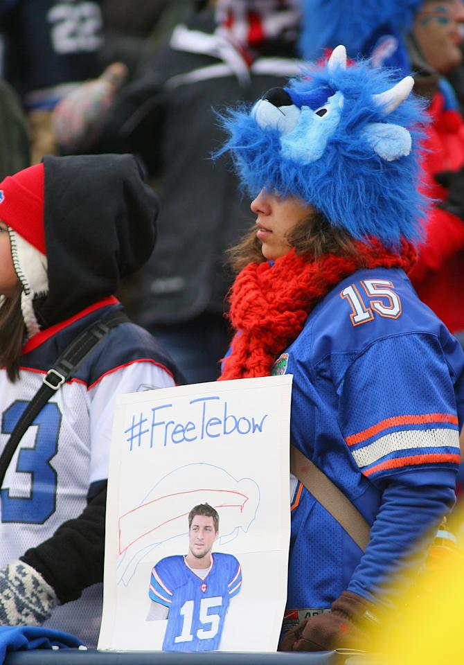 ORCHARD PARK, NY - DECEMBER 30: A fan of the Buffalo Bills shows her support for Tim Tebow #15 of the New York Jets at Ralph Wilson Stadium on December 30, 2012 in Orchard Park, New York. Buffalo defeated New York 28-9.  (Photo by Rick Stewart/Getty Images)
