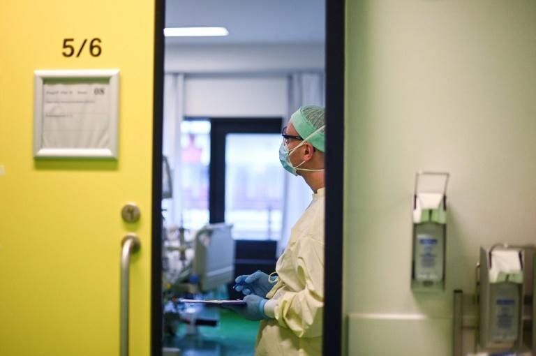 Experts are concerned that growing public distrust of scientific advances could make effective treatments useless against the pandemic