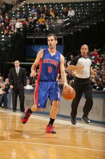 INDIANAPOLIS, IN - FEBRUARY 22: Jose Calderon #8 of the Detroit Pistons brings the ball up the court against the Indiana Pacers on February 22, 2013 at Bankers Life Fieldhouse in Indianapolis, Indiana. (Photo by Ron Hoskins/NBAE via Getty Images)