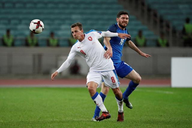 Soccer Football - 2018 World Cup Qualifications - Europe - Azerbaijan vs Czech Republic - Baku National Stadium, Baku, Azerbaijan - October 5, 2017 Azerbaijan's Javid Huseynov in action with Czech Republic's Vladimir Darida REUTERS/Grigory Dukor