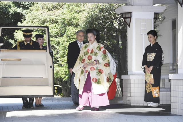 Japan's Princess Ayako weds commoner Kei Moriya in ceremony at Meiji Shrine