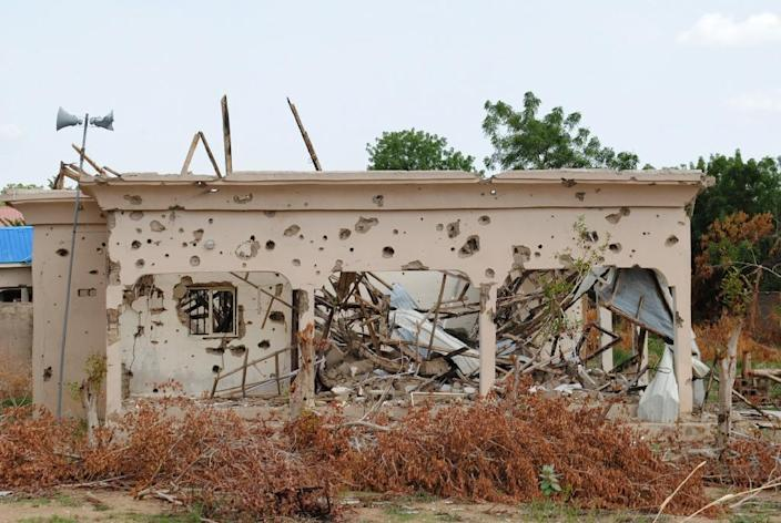 A spurt in attacks by Boko Haram Islamists has claimed nearly 400 lives since April in Nigeria and Cameroon, double the figure of the previous five months, according to Amnesty Int'l (AFP Photo/-)