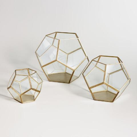 """<h3><a href=""""https://www.worldmarket.com/product/brass+geo+terrarium.do"""" rel=""""nofollow noopener"""" target=""""_blank"""" data-ylk=""""slk:World Market Brass Geo Terrarium"""" class=""""link rapid-noclick-resp"""">World Market Brass Geo Terrarium</a></h3><br><br>""""They are earth signs, so any plants for the home would be pleasantly received,"""" explains McGarry.<br><br><strong>World Market</strong> Brass Geo Terrarium, $, available at <a href=""""https://go.skimresources.com/?id=30283X879131&url=https%3A%2F%2Fwww.worldmarket.com%2Fproduct%2Fbrass%2Bgeo%2Bterrarium.do%3FsearchTerm%3DBrass%2520Geo%2520Terrarium"""" rel=""""nofollow noopener"""" target=""""_blank"""" data-ylk=""""slk:World Market"""" class=""""link rapid-noclick-resp"""">World Market</a>"""