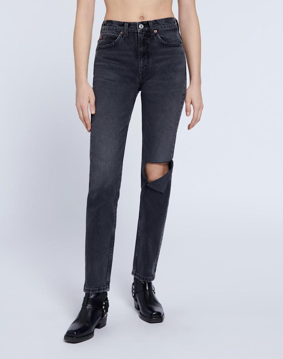 <p>The fit on these <span>RE/DONE 70s Straight Jeans</span> ($145, originally $285) is just what we're looking for.</p>