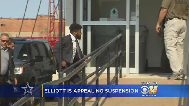 Ezekiel Elliott arrives at a hearing in Sherman, Texas, concerning his six-game suspension.