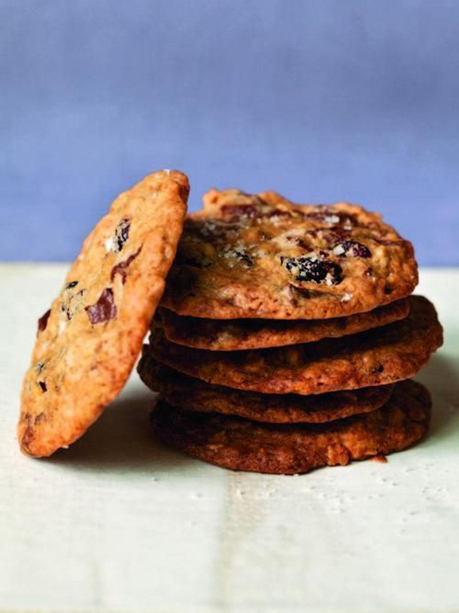 """<p>Can't decide whether to bake chocolate chip or oatmeal cookies? Ina Garten shares with us a recipe that combines the best of both worlds and takes them to the next level with dried cranberries and a sprinkle of sea salt that she claims are her all-time favorite cookies. <a href=""""https://www.yahoo.com/food/barefoot-contessas-salty-oatmeal-chocolate-chunk-101264304956.html"""" data-ylk=""""slk:Get the Salty Oatmeal Chocolate Chunk Cookies recipe;outcm:mb_qualified_link;_E:mb_qualified_link;ct:story;"""" class=""""link rapid-noclick-resp yahoo-link""""><b>Get the Salty Oatmeal Chocolate Chunk Cookies recipe</b></a>.<i> (Photo: Quentin Bacon)</i><br></p>"""
