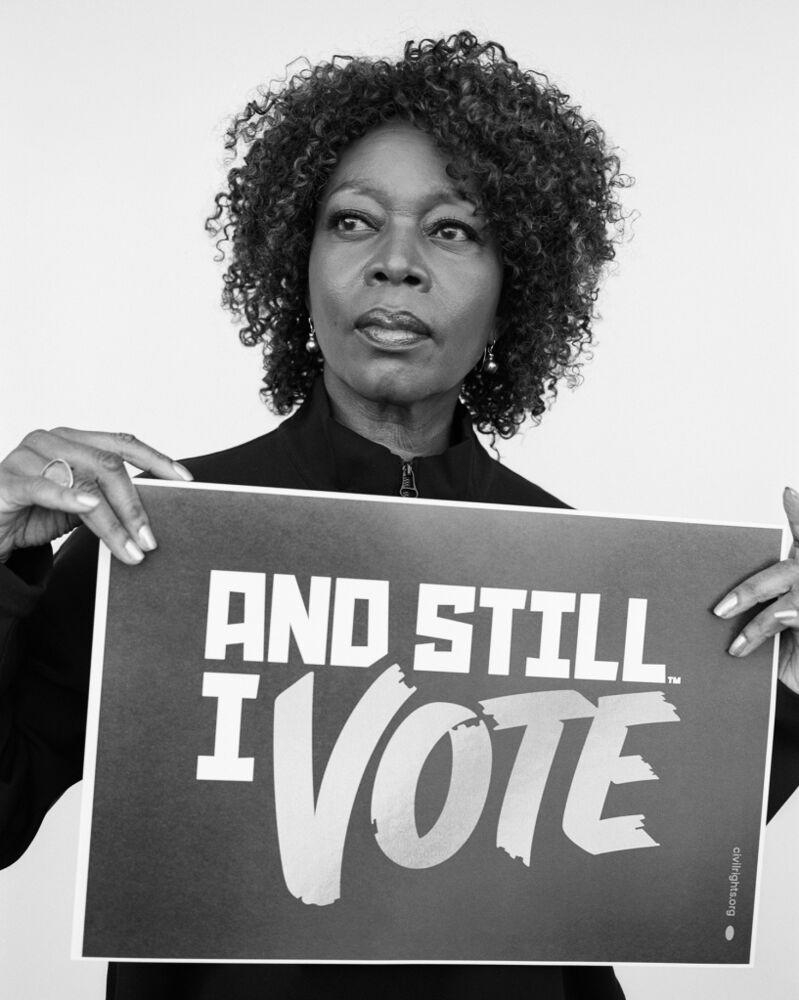 Alfre Woodard posing for the