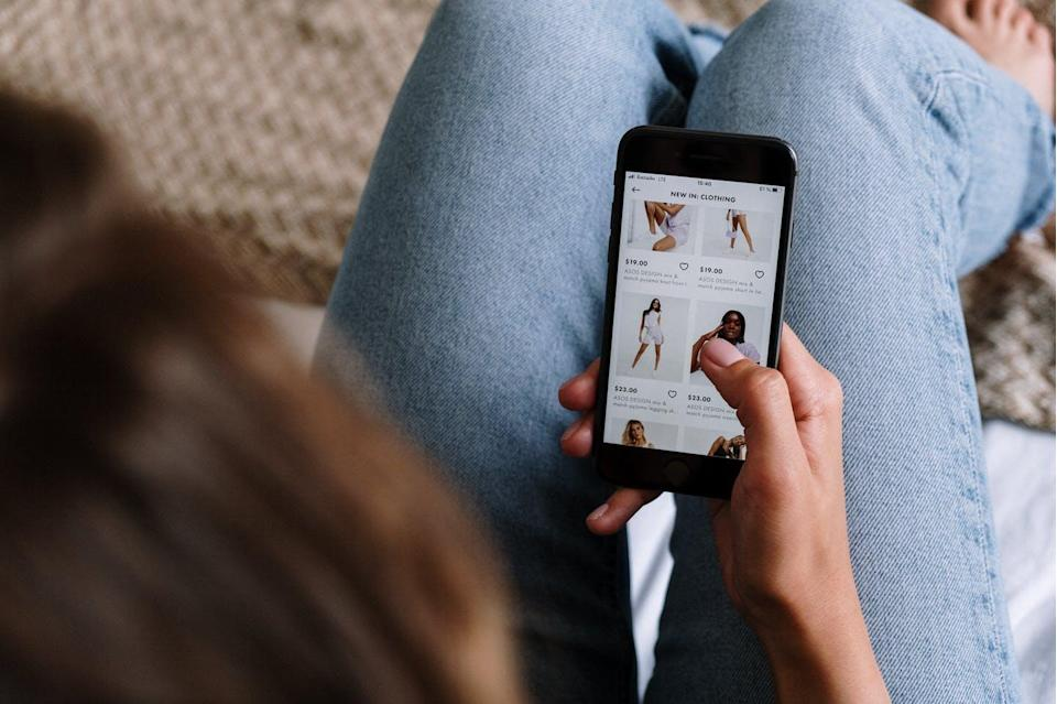"""<span class=""""caption"""">Research show comfort levels, value perceptions and motivations when it comes to m-commerce differ depending on whether consumers live in developed or developing countries.</span> <span class=""""attribution""""><span class=""""source"""">(Pexels)</span></span>"""