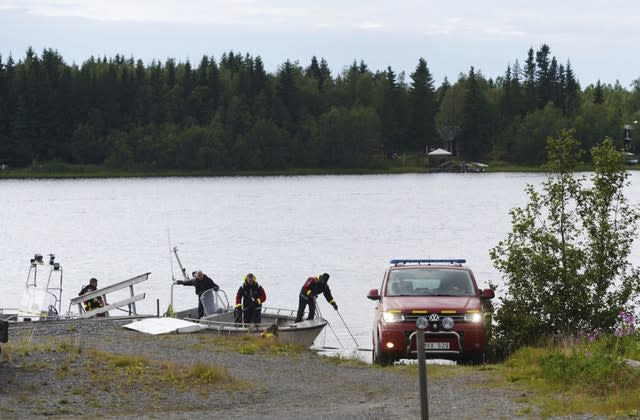 Plane crash during skydiving trip kills 9 in Sweden