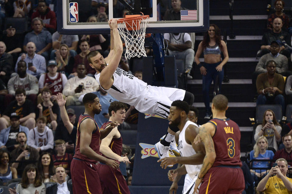 Marc Gasol is still capable of throwing it down. (AP)