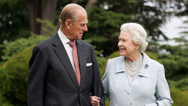 PHOTO: In this image, made available Nov. 18, 2007, Queen Elizabeth II and Prince Philip, The Duke of Edinburgh re-visit Broadlands, in Hampshire, England, to mark their Diamond Wedding Anniversary on Nov. 20. (Tim Graham/Getty Images, FILE)