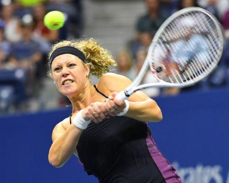 Sept 3, 2016; New York, NY, USA;      Laura Siegemund of Germany hits to Venus Williams of the USA on day six of the 2016 U.S. Open tennis tournament at USTA Billie Jean King National Tennis Center. Robert Deutsch-USA TODAY Sports