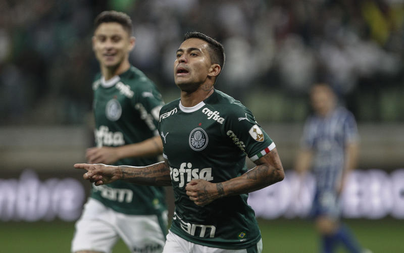 SAO PAULO, BRAZIL - JULY 30: Dudu of Palmeiras celebrates after scoring the fourth goal of his team during a round of sixteen second leg football match between Palmeiras and Godoy Cruz as part of Copa CONMEBOL Libertadores 2019 at Arena Palmeiras on July 30, 2019 in Sao Paulo, Brazil. (Photo by Miguel Schincariol/Getty Images)