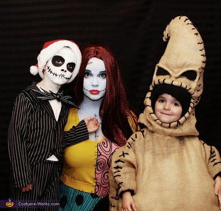 "Vía <a href=""http://www.costume-works.com/costumes_for_families/nightmare-before-christmas.html"" target=""_blank"">Costume-Works.com</a>"