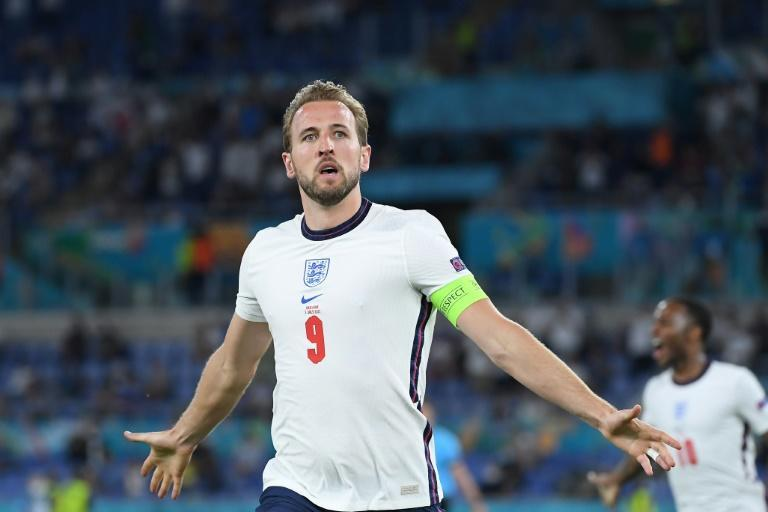 Harry Kane scored twice as England put four past Ukraine in Rome to reach the semi-finals of Euro 2020