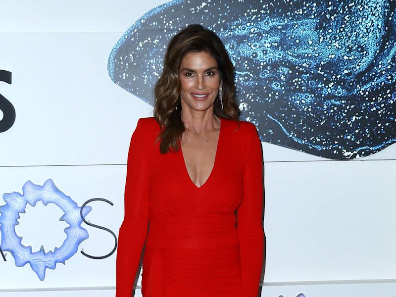 Cindy Crawford shares epic celebrity photo from 2003