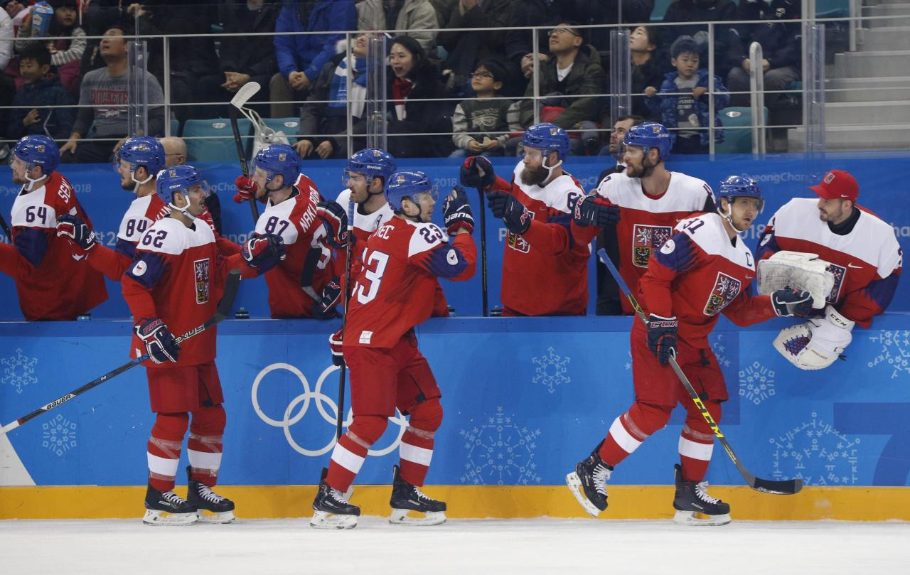 Ice Hockey - Pyeongchang 2018 Winter Olympics - Men's Preliminary Round Match - Czech Republic v Switzerland - Gangneung Hockey Centre, Gangneung, South Korea - February 18, 2018 - Czech Republic celebrates after a goal by teammate Roman Horak (51) against Switzerland. REUTERS/Brian Snyder