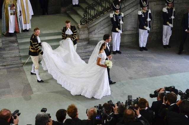 Sweden's Princess Madeleine and Christopher O'Neill leave the Royal Chapel after their wedding ceremony in Stockholm, Sturday June 8, 2013. (AP Photo/Tobias Rostlund) SWEDEN OUT
