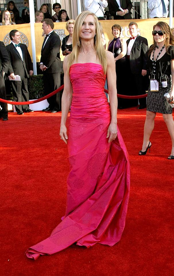 """WORST: <a href=""""http://movies.yahoo.com/movie/contributor/1800016362"""">Holly Hunter</a> at the 15th Annual Screen Actors Guild Awards in Los Angeles - 01/25/2009"""