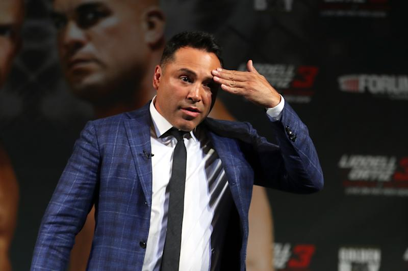"A former employee claims Oscar De La Hoya demanded that he bail him ""out of life-threatening situations while he was highly intoxicated."" (Getty)"
