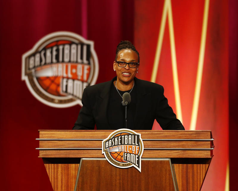 Pelicans to hire WNBA legend Weatherspoon