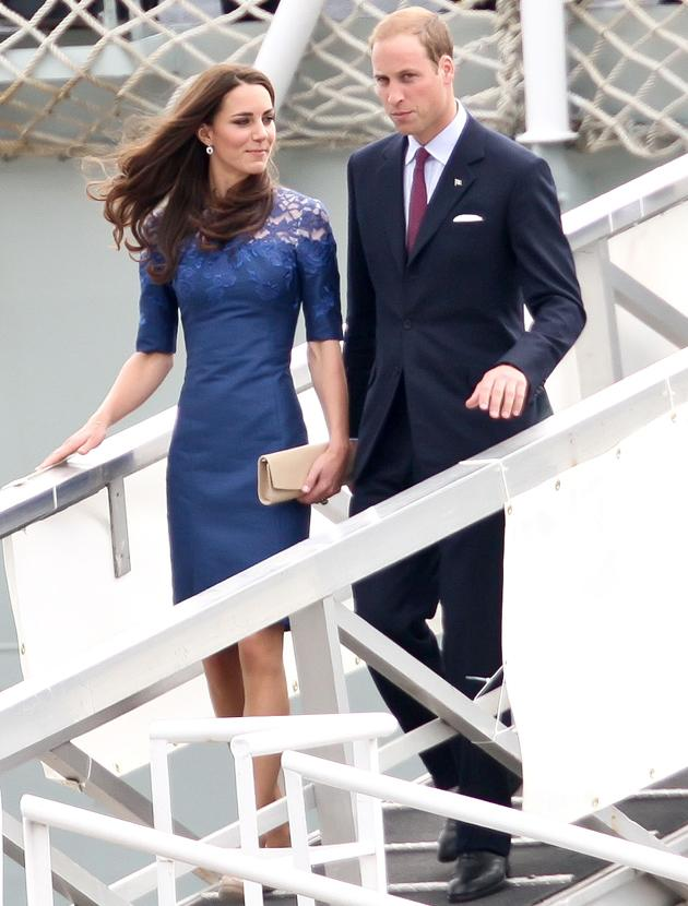 Kate Middleton photos: Besides from her shrinking size what must also be observed is Kate's careful use of trends (lace) on classic styles. She learns fast!