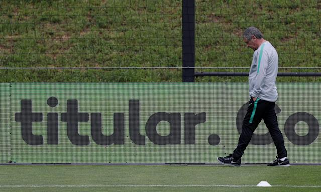 Soccer Football - FIFA World Cup - Portugal Training - Oeiras, Portugal - May 22, 2018. Portugal's national soccer team coach Fernando Santos attends a training session. REUTERS/Rafael Marchante