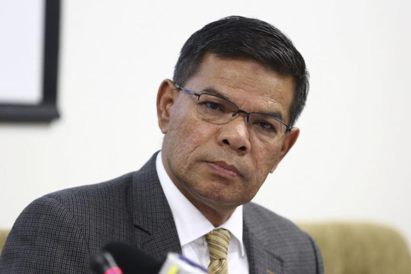 Saifuddin said the system tracks the movement of various imported goods under its watch which are brought in by AP holders. — Picture by Yusof Mat Isa