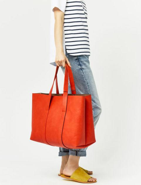 "<div>Orange bonded shopper - <a rel=""nofollow"" href=""http://www.warehouse.co.uk/gb/accessories/bags-and-purses/bonded-shopper-bag/029227.html?dwvar_029227_color=86&position=7&cgid=bags"">£45</a></div>"