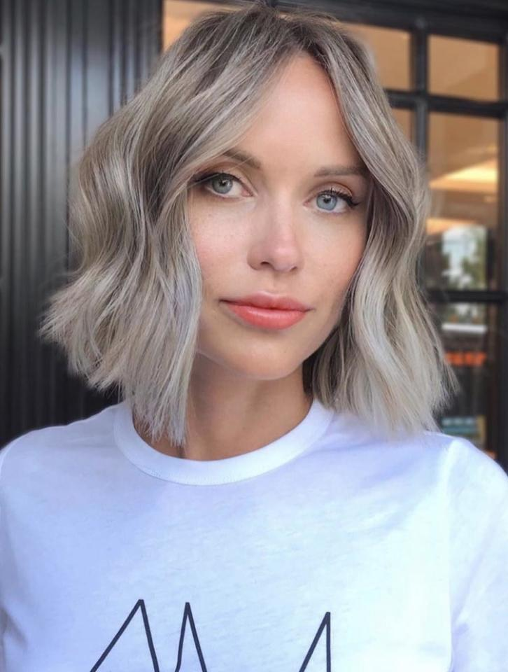 <p>Bring on the vintage feels with this textured bob that frames the face with minimal layering and a soft bend around the temples.</p>
