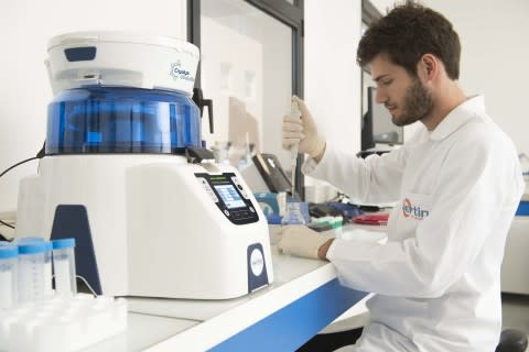 Picture showing the Precellys® & Cryolys Evolution tissue homogenizer equipment on the bench - Credi ...