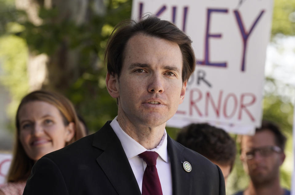 Assemblyman Kevin Kiley, of Rocklin, a Republican candidate for governor in the Sept. 14 recall election, campaigns for school choice outside a charter school in Sacramento, Calif., Wednesday, July 21, 2021. Californians will start receiving ballots next month asking if Gov. Gavin Newsom, a Democrat should be recalled and if so, who they want to vote to replace him, Kiley is one of several high-profile Republicans, who are running to replace Newsom. The CAGOP's executive committee will meet Saturday July 24, 2021 and decide whether to let an endorsement move forward. (AP Photo/Rich Pedroncelli)