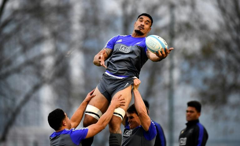 Auckland Blues' hardman Jerome Kaino (C) has joined a growing list of All Blacks sidelined by injury