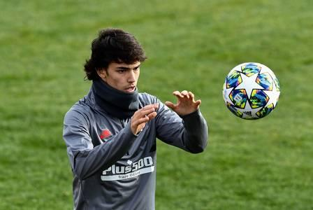 85869954_TOPSHOT - Atletico Madrid's Portuguese forward Joao Felix attends a training session at the (1).jpg
