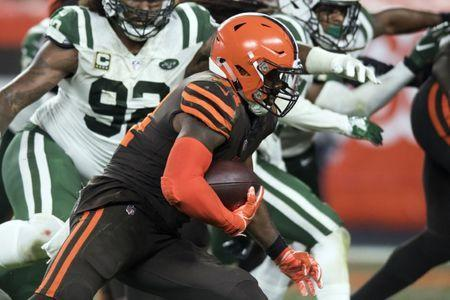 Sep 20, 2018; Cleveland, OH, USA; Cleveland Browns running back Carlos Hyde (34) runs for a touchdown during the third quarter against the New York Jets at FirstEnergy Stadium. Mandatory Credit: Ken Blaze-USA TODAY Sports