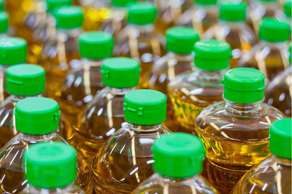 <p>Consider any of these plant-based oils the best substitute out there: Vegetable oil is often a blend made up of these four oils, which are the top vegetable-based oils used in American households. You can use them interchangeably. <br></p>