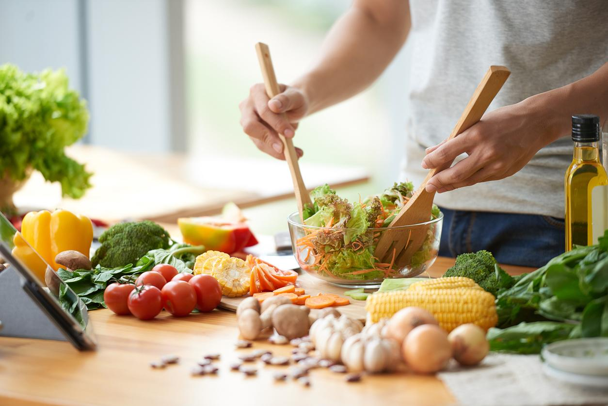 Low-carb and low-fat diets have same effect on weight loss, claims study