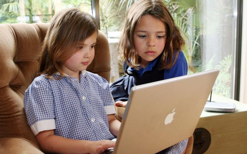 One in four British children are 'extreme' internet users (posed by models) - Ian Jones Retained