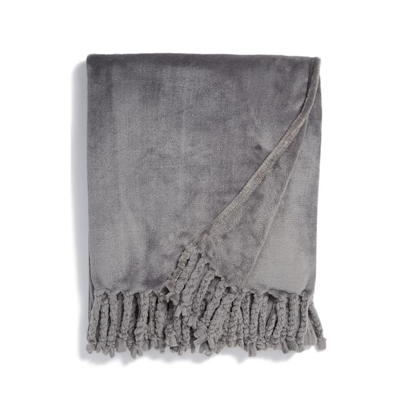 Nordstrom at Home Kennebunk Bliss Plush Throw. (Photo: Nordstrom)