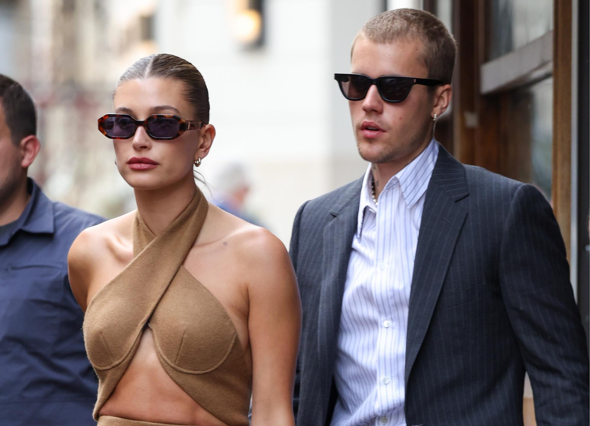 'Show some respect': Fans criticize Hailey and Justin Bieber for dressing 'inappropriately' to meet French president