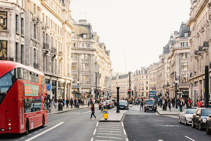 London localshave noticed many visitors making the same mistakes. (Photo: Alexander Spatari via Getty Images)