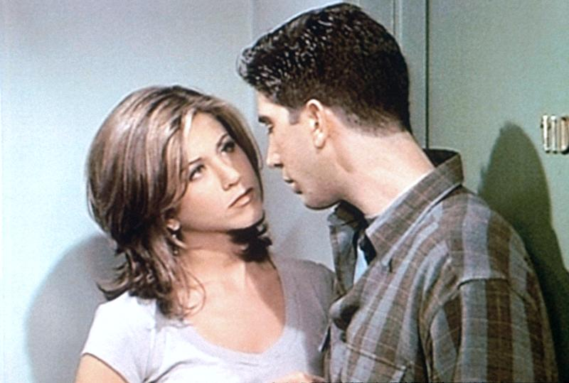 Jennifer Aniston and David Schwimmer in 'Friends' (Photo: Warner Bros. / Courtesy: Everett Collection)