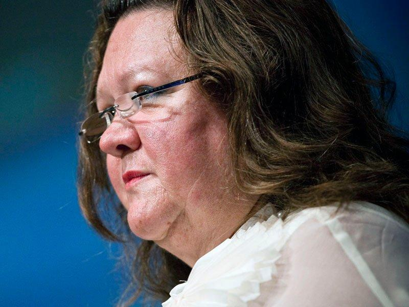 Rinehart boosts Fairfax stake to 18.7%
