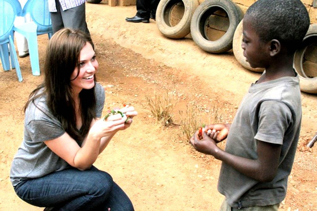 """Do-gooder Mandy Moore traveled to the African country of Cameroon this week to hand out anti-malaria nets to kids in need. She made the trip in order to raise awareness for the nation's first-ever countrywide distribution of anti-malaria mosquito nets as part of Population Services International and the UN Foundation's """"Nothing But Nets"""" campaign. <a href=""""http://www.splashnewsonline.com"""" target=""""new"""">Splash News</a>/UN Foundation - August 15, 2011"""