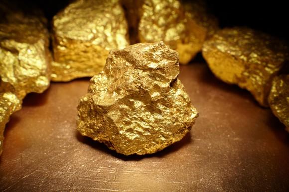 Closeup of a big gold nugget.