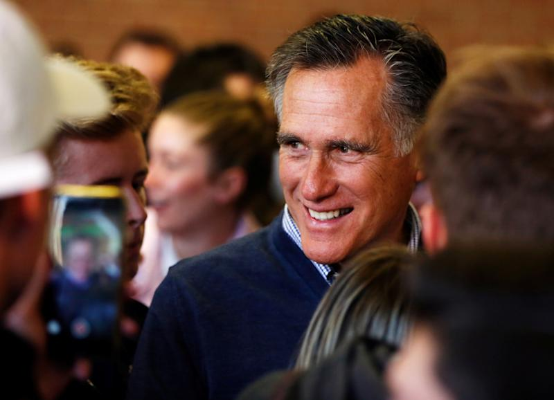 Mitt Romney wins the Republican nomination for U.S. Senate. (Jim Urquhart / Reuters)