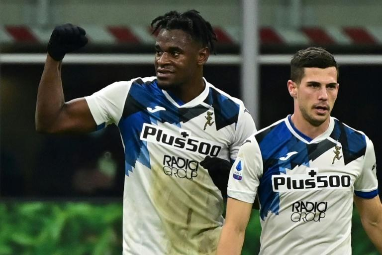 Duvan Zapata scored for Atalanta in a 3-0 win over AC Milan in the San Siro.