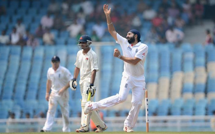 NOVEMBER 04: Monty Panesar of England bowls during day two of the tour match between Mumbai A and England at The Dr D.Y. Palit Sports Stadium on November 4, 2012 in Mumbai, India - Getty Images/Gareth Copley